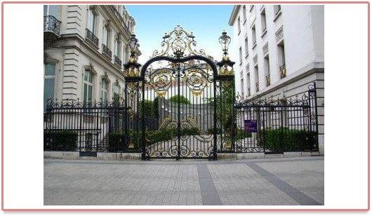 Abercrombie & Fitch sur les Champs Elysée à Paris