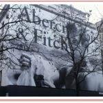 Le logo d'Abercrombie & Fitch à Paris !